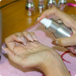 Spray Prep-pel fertőtlenítjük a felületet.
