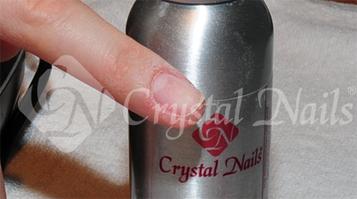 Spray Preppel vagy Nail Preppel fertőtlenítek.