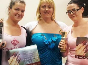 Tanulóink sikerei a hétvégi műkörömépítő versenyen és Tip-Boxban