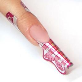 Crystal Nails Cover Pink körömágyhosszabbítót teszek fel az előkészített és felsablonozott körömre